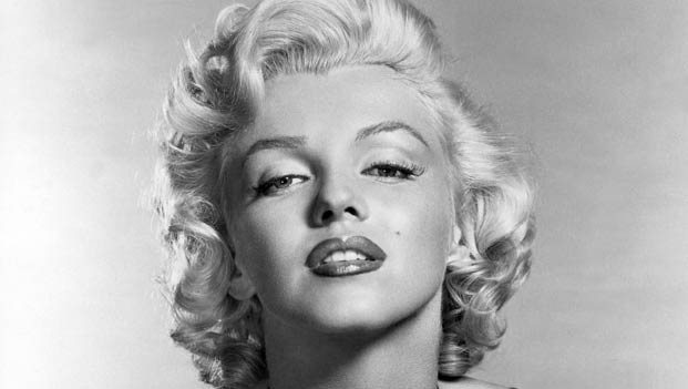 What did marilyn monroe wear secret of diva - Marilyn monroe diva ...